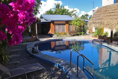 Bua Bed & Breakfast - Double Room, shared bath - Nadi - Bed & Breakfast
