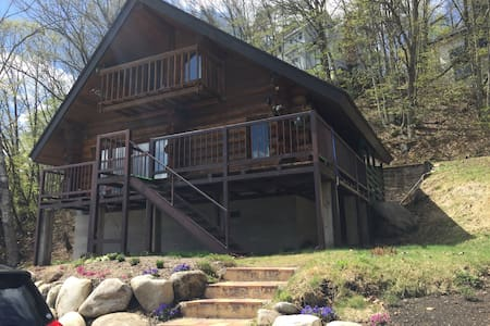Log House & Private Hot Spring Spa - Huis