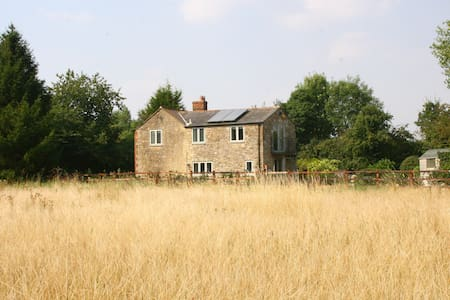 Kingfishers Cottage, Little Clanfield, Cotswolds - Oxfordshire