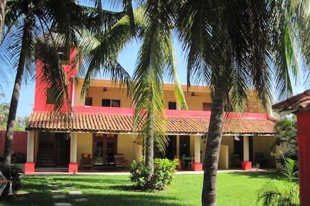 Ocean front Villa room #5 - Acapulco - Villa