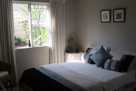 Cape Town Room to let - Camden Green, Kraaifontein - Hus