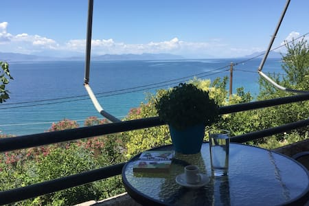 Sea side apartment with wonderful view - Limni