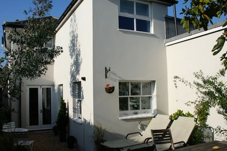 Cottage in the heart of Bembridge - Maison