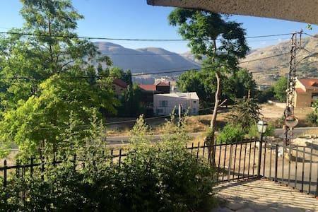 Private Villa in Faqra - Wohnung
