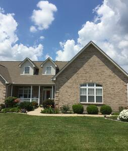 Home Away From Home In Northern KY- 2 BR Suite - Dry Ridge - Hus