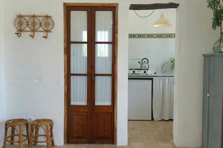 Finca con vistas a la Tramuntana - Selva - Casa