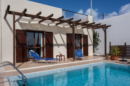Cosy Villa with private pool! - Darmarochori - Villa