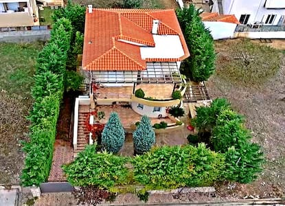 Relax garden House in Lagonisi-Close to the aiport - Lagonisi
