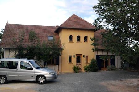 Maison en Paille (strawbale house) Périgord - Dům