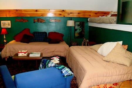 Parks Edge Inn Suite 5 Millinocket - Apartamento