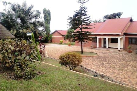 Vacation home Uganda - Namulanda - Casa