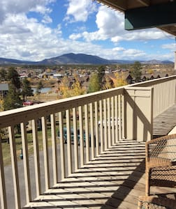 We have loved this condo for many years. Both winter and summer are filled with activities for families and those who just like to be active! It's within walking distance to Safeway and other services.