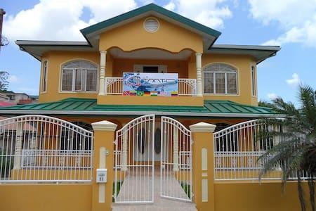 Guest House de Primera en Trinidad H1 - Daire