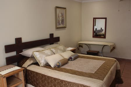 Charming Self Catering Apartment - Appartement