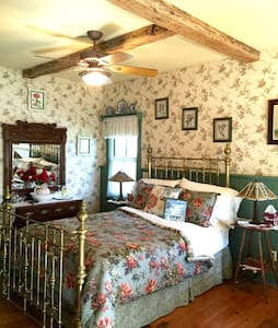 Romantic Private Cottage w/Jaccuzzi - Frenchtown - Cottage