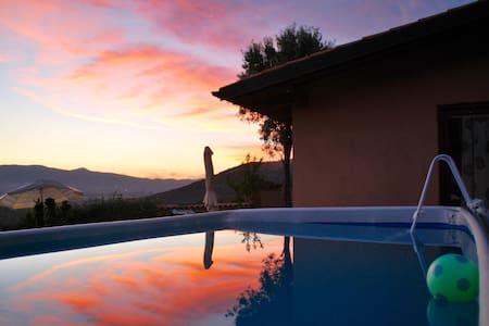 """SCENIC B&B """"SILVIA'S HOUSE """" - Rocca Massima"""