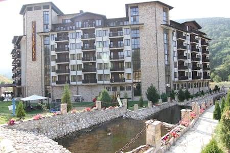 Comfortable apartment with magic views - Velingrad - Lägenhet