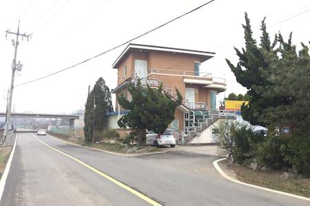 Go's House - Ganghwa-eup, Kanghwa - Casa