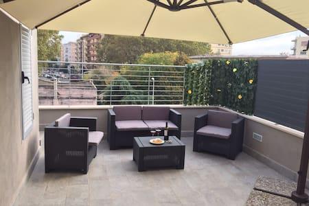 Loft con terrazzo in zona pigneto - Roma - Loft