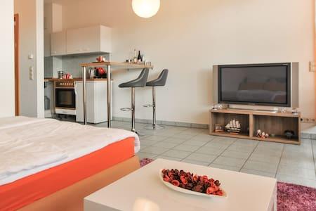 Ein Zimmer Wohnung - Apartamento