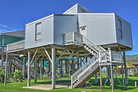 Attractive 1BR + Loft Freeport House w/Ocean Views - Haus
