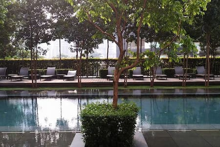 - Hampshire Place  - High Floor  - Fully Furnish  - 2 Rooms 2 Bathrooms  - Gym room, swimming pool, sauna, etc. - Type: Condo  - Near KLCC, Avenue K, LRT Ampang Park, LRT KLCC