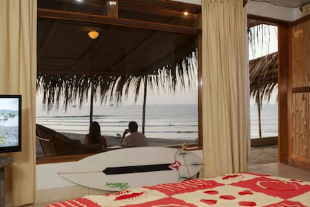 Lobitos surf house - Lobitos - Bed & Breakfast