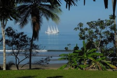La Joyita Cabina on Pacific Ocean - Ház