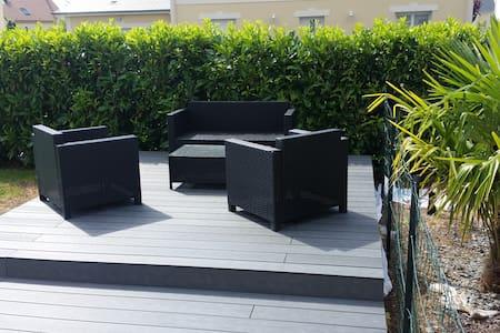 Maison Moderne indépendante (terrasse plein sud) - Argences - Haus