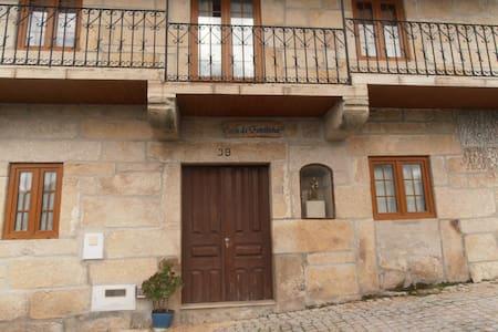 Quartos Duplos - Double Bedrooms - Castro Daire - Talo