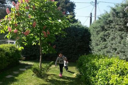 at the green supurbs of attica - Άνοιξη - Villa