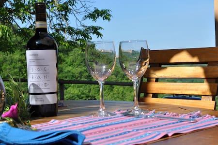 Idillic hillside property w/ pool - Montone - Talo