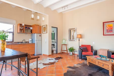 New, Modern Studio w/Views Over SMA - San Miguel de Allende - Apartment