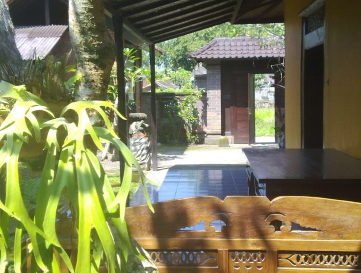 A TROPICAL HOME -west of Ubud