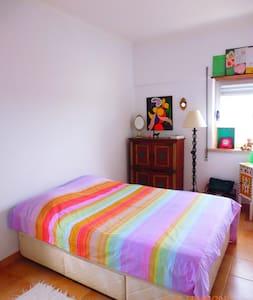 Quarto inteiro em Oeiras - Apartamento