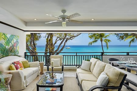 On the beach in Barbados - Holetown - Apartment