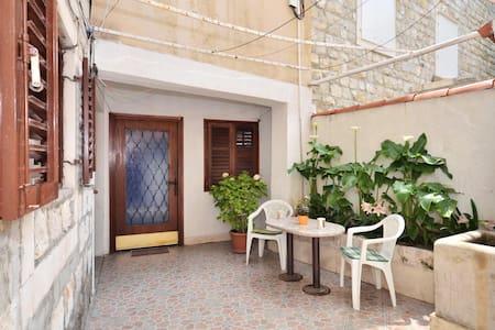 Apartment Jaksa in oldtown Split - Appartamento