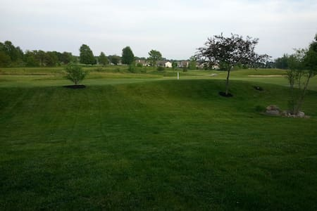 3 Bd Golf Course Home - Noblesville - House