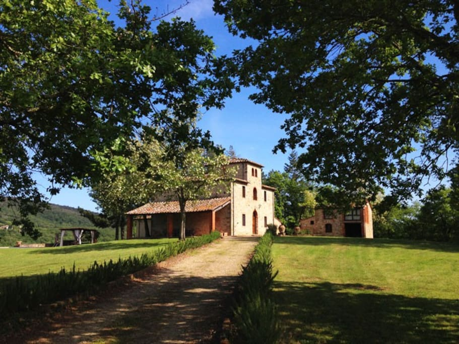 Villa near Siena Pool, AC, WiFi