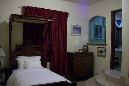 One single occupancy suite