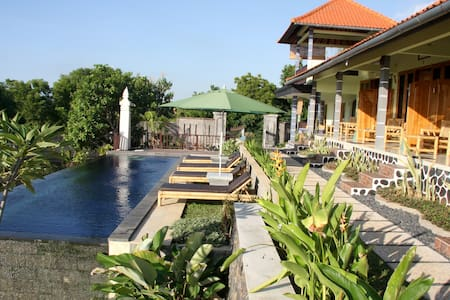 Authentic Balinese Homestay - Buleleng - Bed & Breakfast