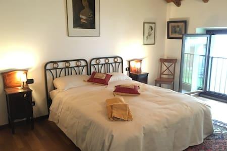 Lago di Lecco ,Cascina  storica - Apartment