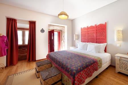 ARTVILLA - QUARTO CINZA - Bed & Breakfast