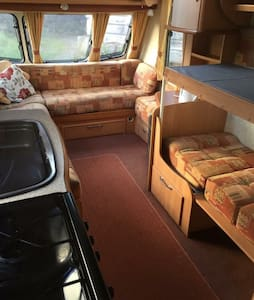Touring caravan 4 berth - Camper/RV