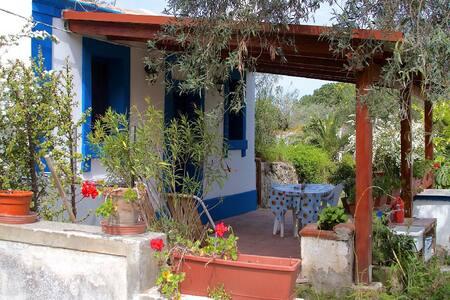 Capo Milazzo, Casetta Sarina - House