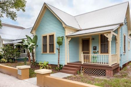 Historic Ybor, Tampa, FL House - Haus