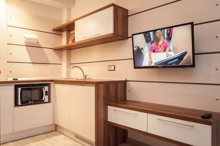 Modern apartment-studio. Wi-Fi! - Minsk - Apartment