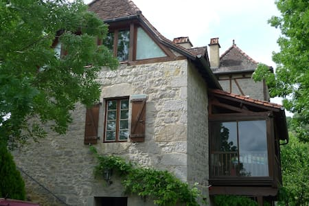 belle maison typiquement lotoise - Saint-Laurent-les-Tours - Ev