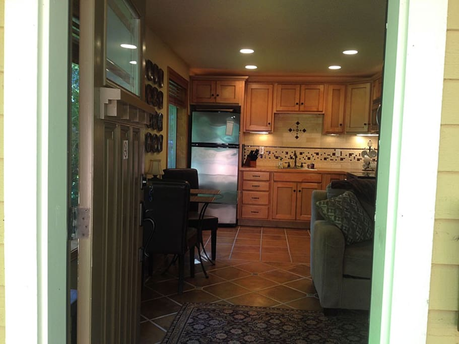 Open door to the kitchen and livingroom.