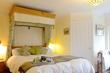 B&B family room on organic farm - Bed & Breakfast